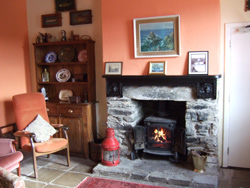 cape clear hostel lounge